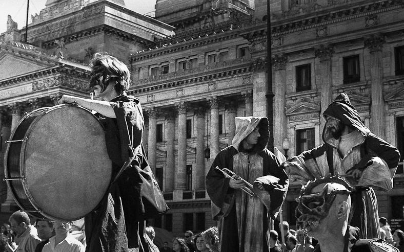 Marcha por la cultura 2001 - Juan Pablo Librera - img044