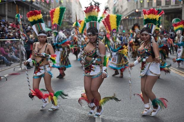 Fotos del Desfile por la Integracion Cultural de Bolivia y Argentina, 2015 17