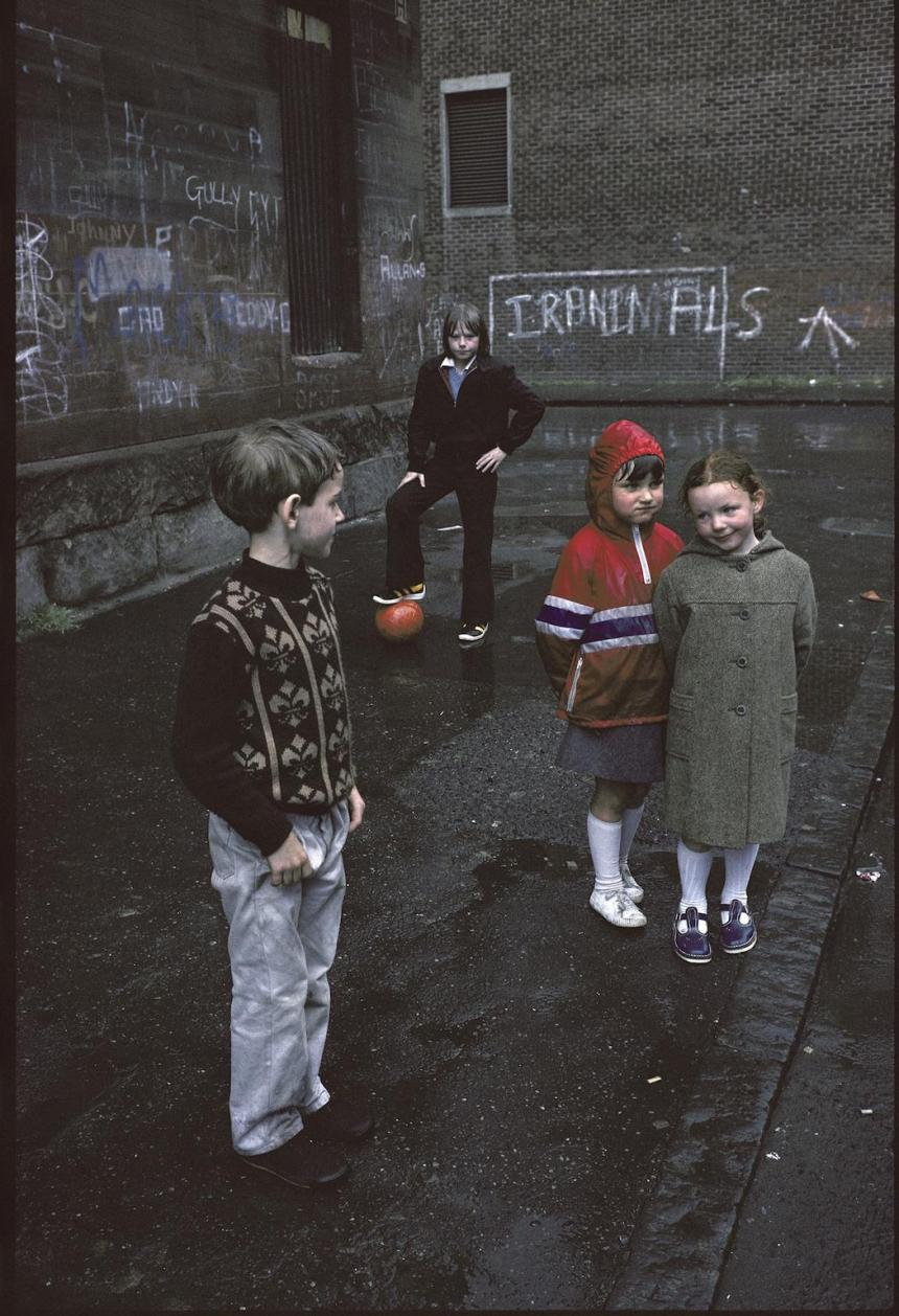photographs-of-glasgows-slums-in-1980-517-1459529346