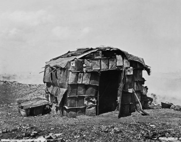 Harry Grant Olds 369. Habitación particular en la quema de basura. Buenos Aires, S.A. (circa 1901)