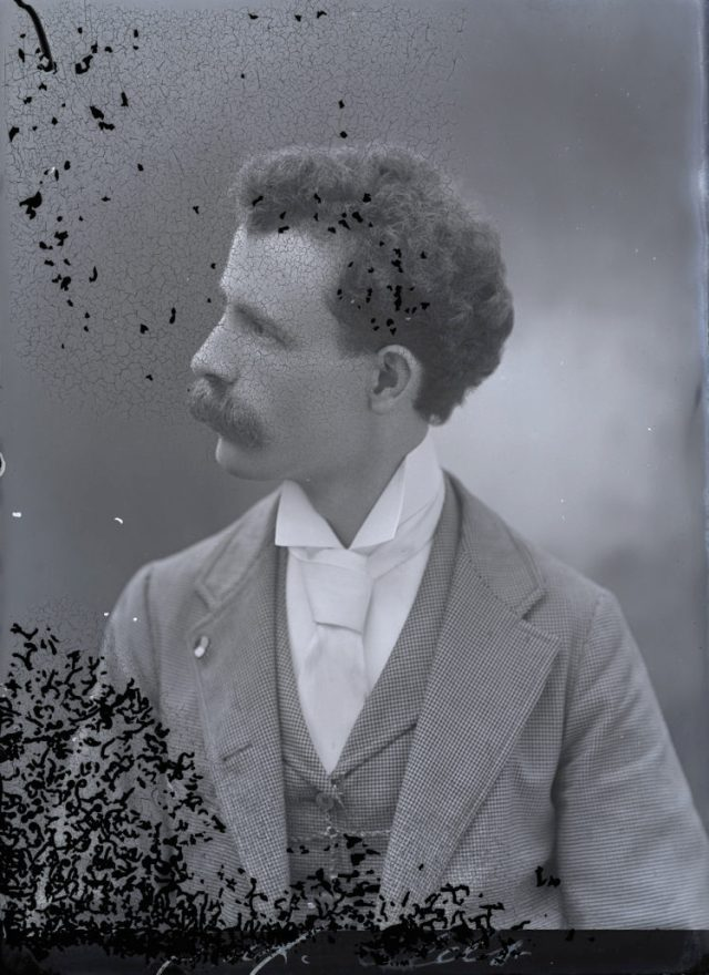 Harry Grant Olds Sin título (autorretrato H.G. Olds, circa 1890)