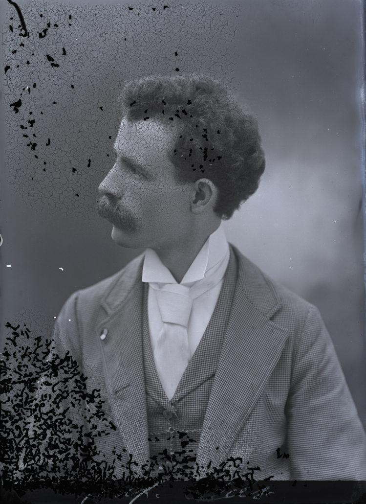 Harry Grant Olds Sin título (autorretrato H.G. Olds, circa 1890)
